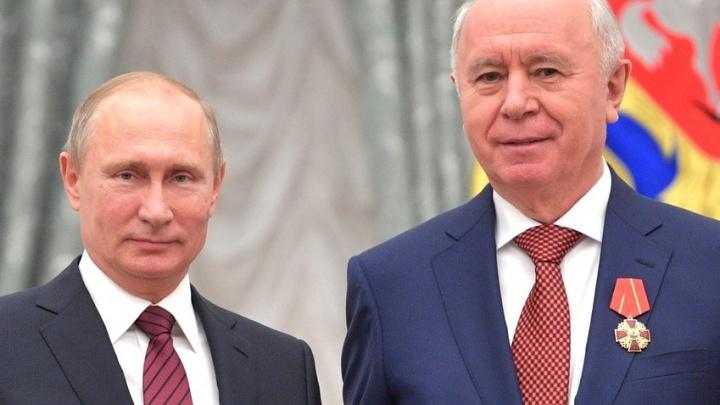 За особые заслуги: Путин вручил орден экс-губернатору Николаю Меркушкину