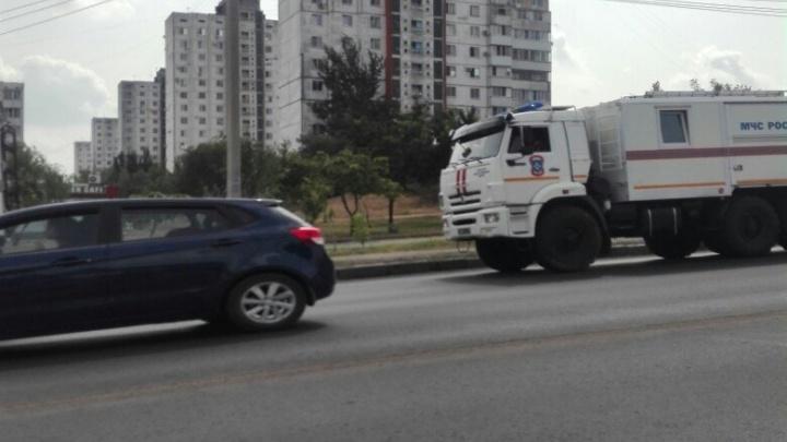 Прибывающее в Волгоград усиление МЧС сразу бросают на тушение пожаров
