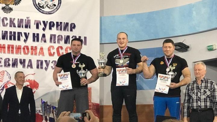 На всероссийском турнире по армрестлингу спортсмены Поморья завоевали две медали