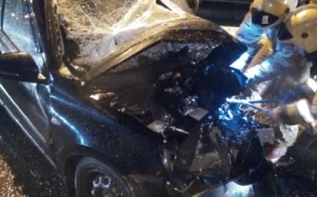 Смертельное ДТП в Ярославле: в страшной аварии погиб шофер скорой помощи
