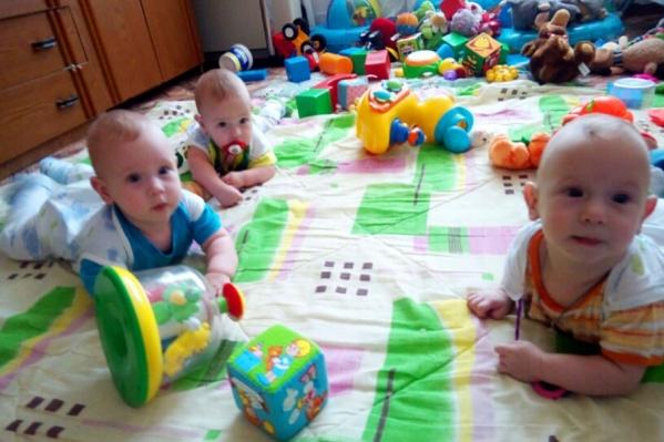 Чиновники пообещали решить жилищный вопрос для семьи с пятью детьми, младшим из которых семь месяцев