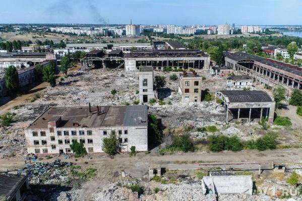 От Волгоградского тракторного завода остались лишь название и развалины