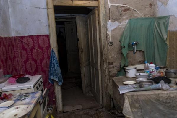 Кухня в бывшем общежитии рассчитана на 20 комнат