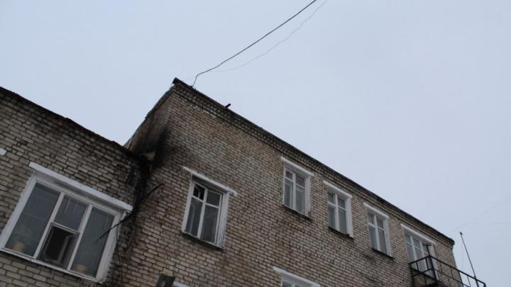 Наблюдательная комиссия проверила колонию в Соликамске после пожара и опросила осуждённых