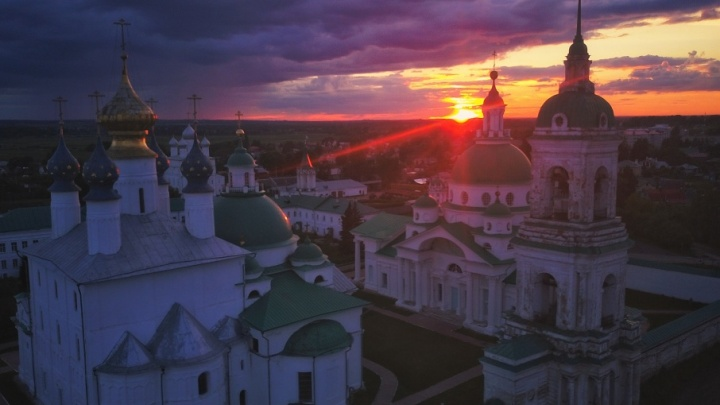 Ростов Великий стал лучшим местом для путешествий осенью: цена отдыха