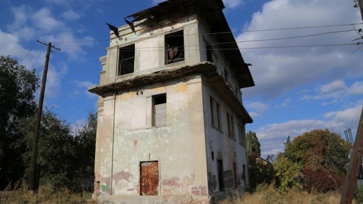 Еще один довоенный дом снесли в центре Волгограда