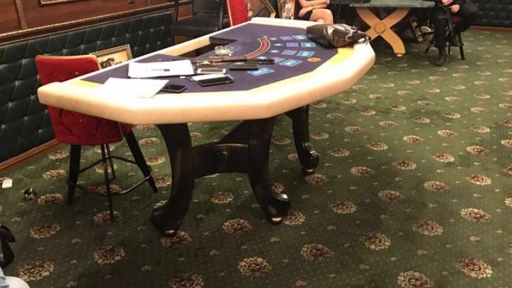 Третий раз за год: люди в масках накрыли подпольное казино в челябинском отеле