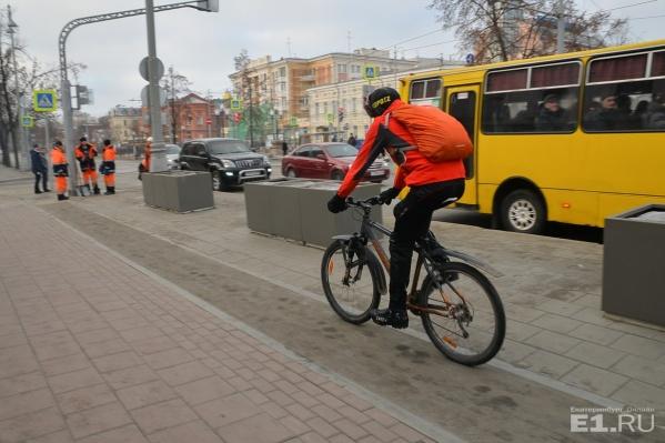 После реконструкции на Ленина появились велодорожки.