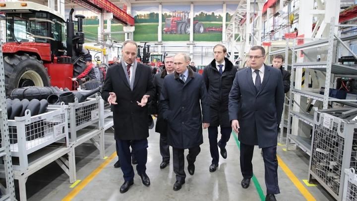 Путину показали новую технику Ростсельмаш