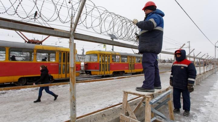 На «Волгоград Арене» сносят штаб и заградительные заборы