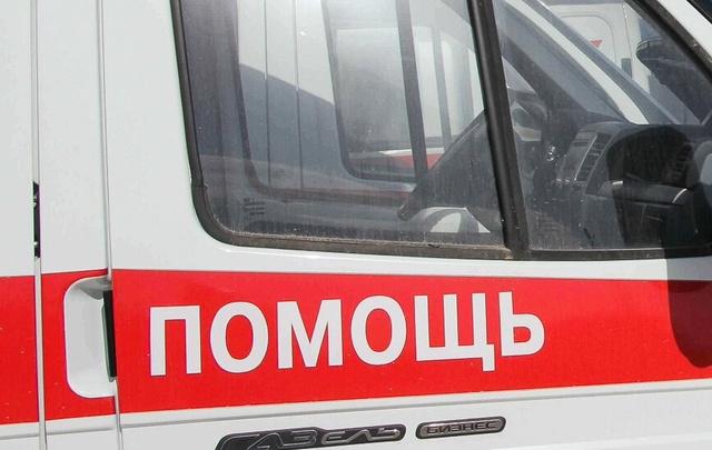 На выезде из Волгограда иномарка врезалась в газовую трубу, водитель погиб