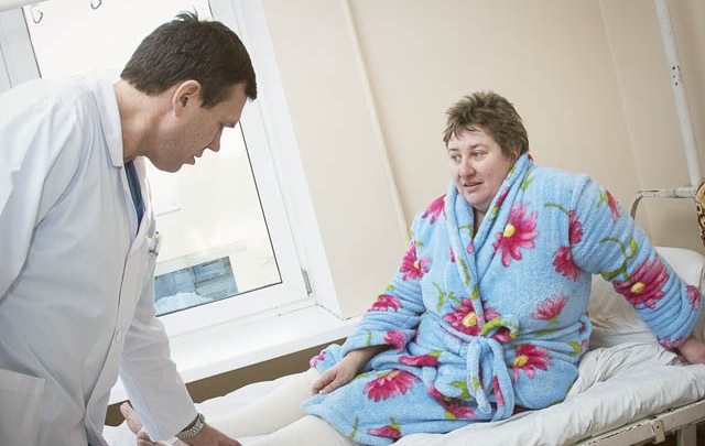 «Бабушки плачут»: в больнице под Челябинском отказались от помощи старикам на дому