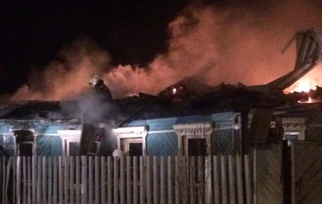 В Самаре в Красноглинском районе сгорел деревянный дом