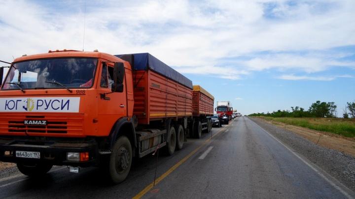 Трасса Волгоград–Ростов встала в мертвой пробке из-за ремонта в Чернышковском районе