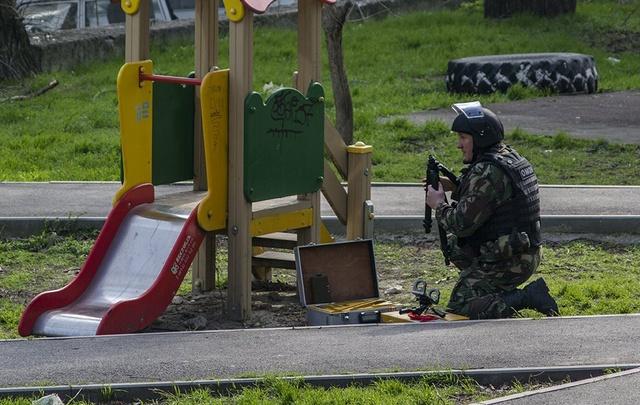 Слесарь рассказал, как готовил взрыв около школы №5 в Ростове
