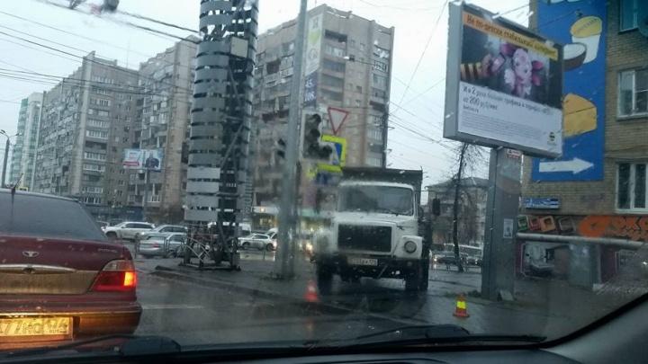 В Челябинске двухдневный дождь отразился на работе светофоров