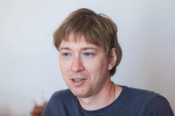 Михаил Карпеш продаёт устройство для качания кроватки по всему миру