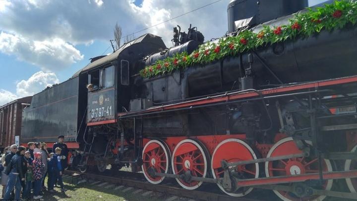Уникальный ретропоезд домчал до Калача-на-Дону