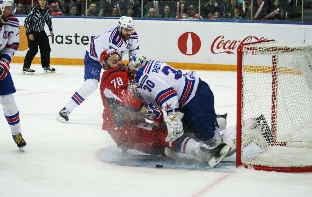 Ярославль против Питера: игра в фотографиях