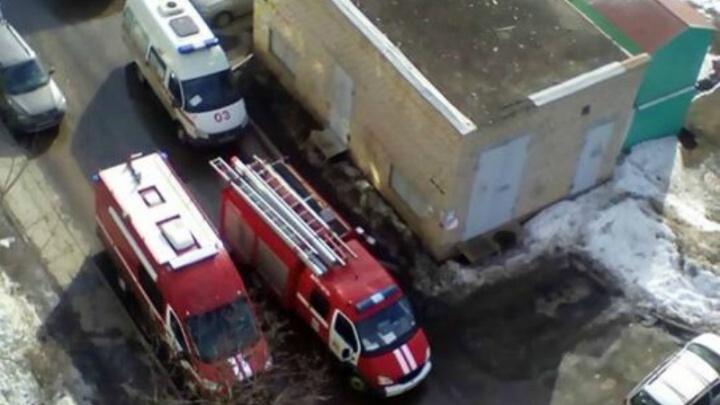 «Прохожие на улице заметили дым»: в Тольятти дети оказались заперты в горящей квартире