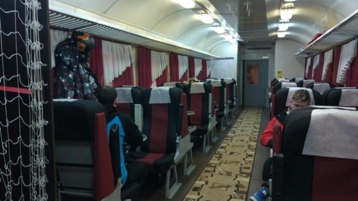 «Уютные вагоны и дружелюбный персонал»: 74.ru протестировал поезд «Снегирь»