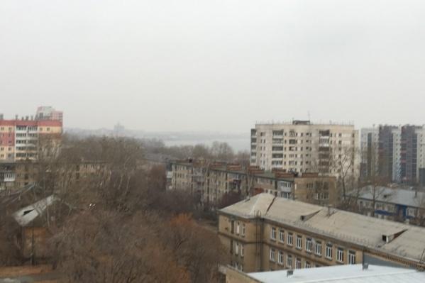 В Ленинском районе из-за смога плохо видно озеро Смолино