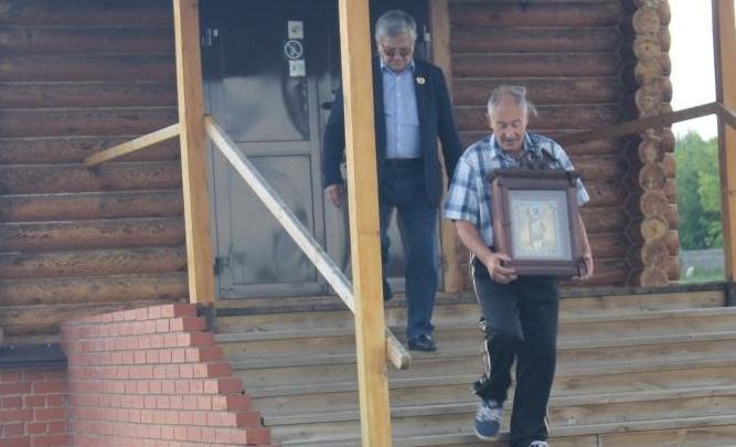 «Икону прятали, могли продать»: олимпийский чемпион рассказал о конфликте в южноуральском храме