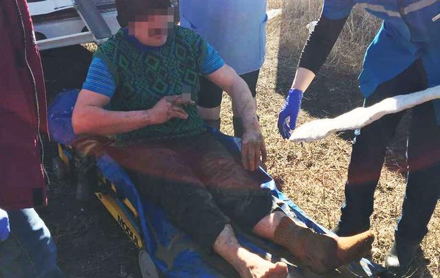 Спасатели пришли на помощь мужчине, упавшему в девятиметровый колодец