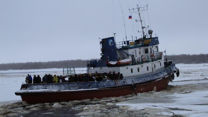 Жителей островных территорий Архангельска призвали отнестись с пониманием к сокращению буксирных рейсов