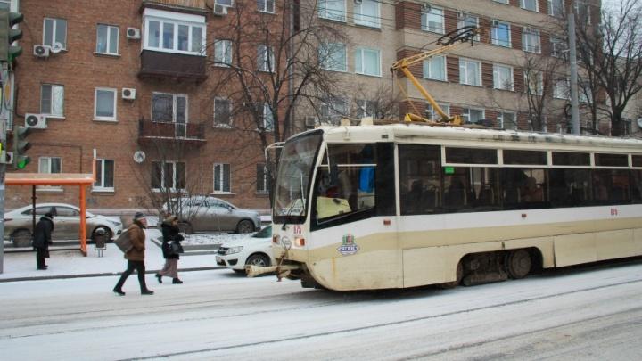 Водителя трамвая из Таганрога осудят за наезд на пешехода