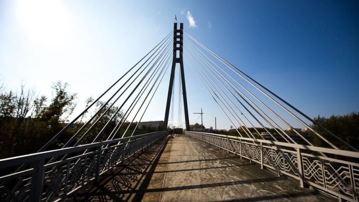 Мост влюбленных превратится в корабль к 20 июня