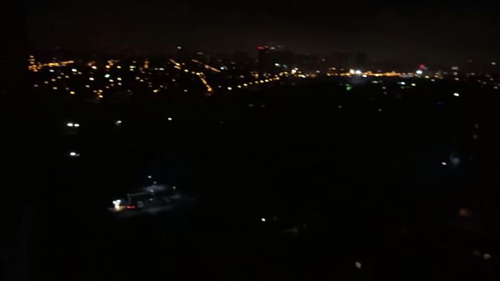 Дома замерзают, еду не приготовить: тысячи ростовчан почти на сутки остались без электричества