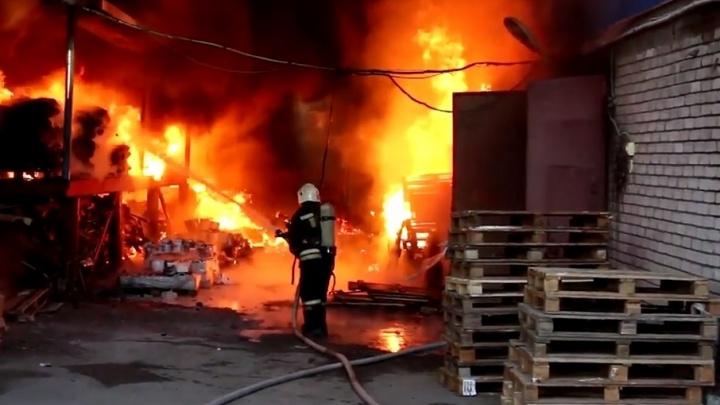 О буднях пожарных в Волгограде сделали видео ко Дню спасателя