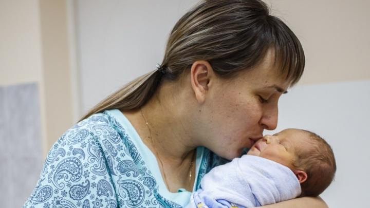 В перинатальном центре Волгограда накануне Нового года родились семь крох