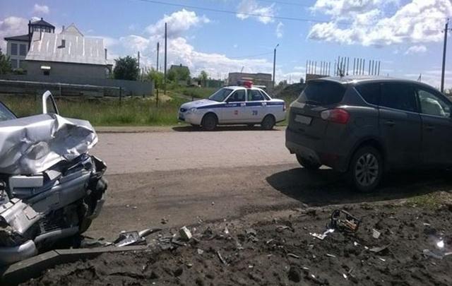 Под Сызранью водитель Ford Kuga снес ВАЗ-2112 с дороги, есть пострадавшие