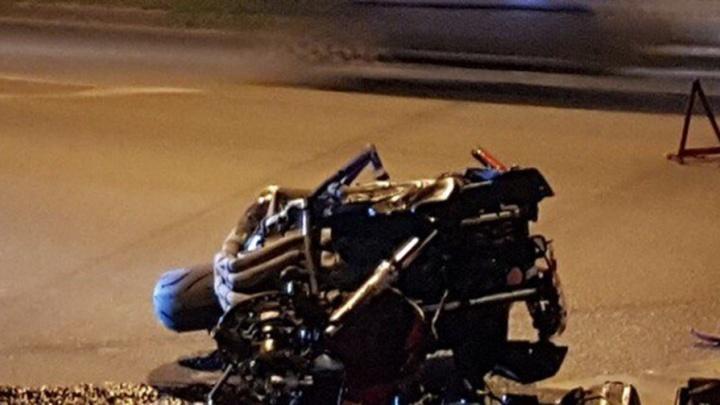 В Ростове мотоциклистка попала под колеса Hyundai Accent