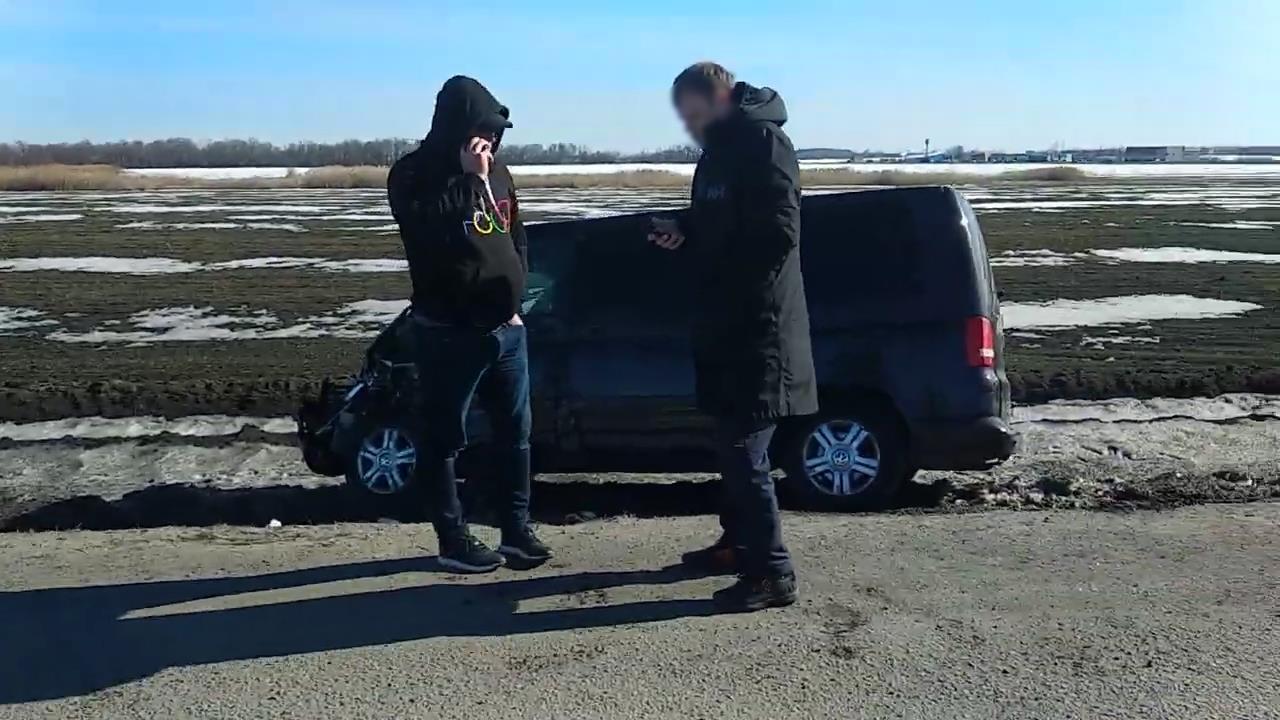 Кадр из видео в YouTube на канале Антона Золотовского