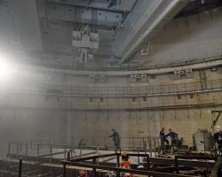 На строящемся энергоблоке №4 проведены испытания полярного крана