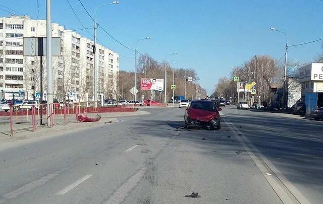 В Тюмени начинающие водители не поделили дорогу