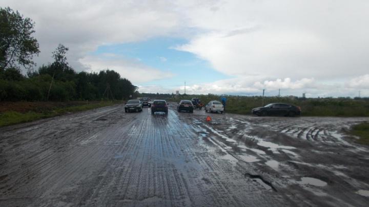 После ДТП на ярославской трассе мотоциклист попал в реанимацию