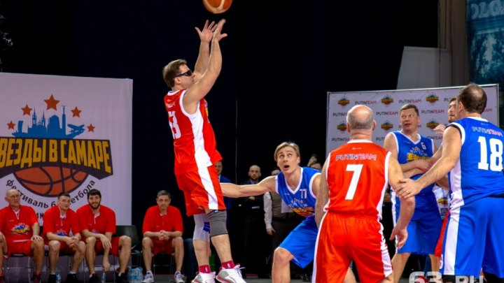 Двигались вверх: Азаров, Сазонов, Аветисян сразились с легендами баскетбола
