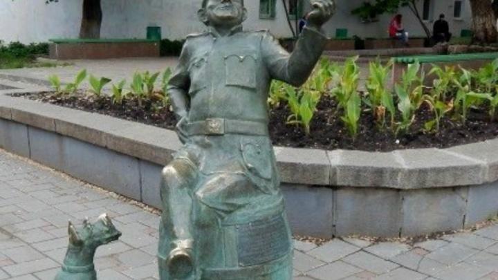 В Самаре отремонтировали памятник бравому солдату Швейку