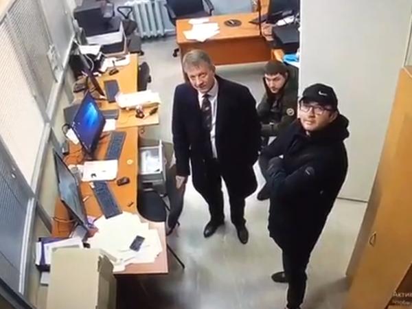 На фото - справа Андрей Солнышкин