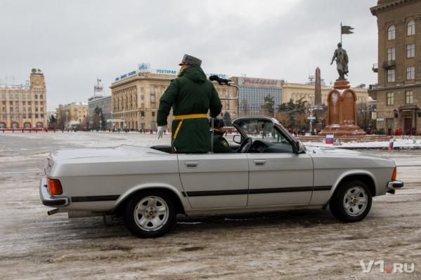 На этом параде военные кабриолеты сменят привычные УАЗы