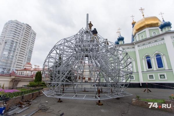 Центральный купол весит более семи тонн
