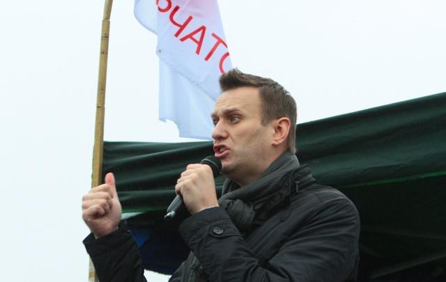 Казаки, провокаторы и автозаки: Навальный выступил на митинге в Челябинске