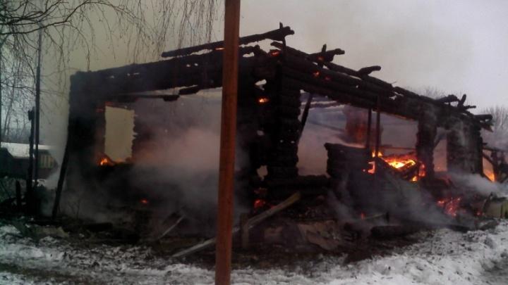 В Ярославском районе в доме сгорела женщина