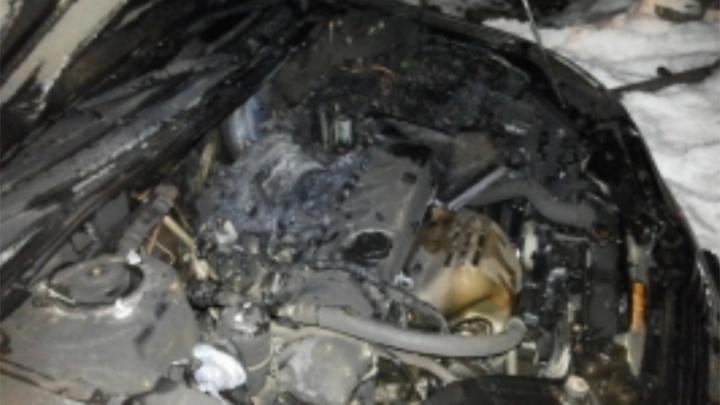 В центре Ярославля сгорел легковой автомобиль
