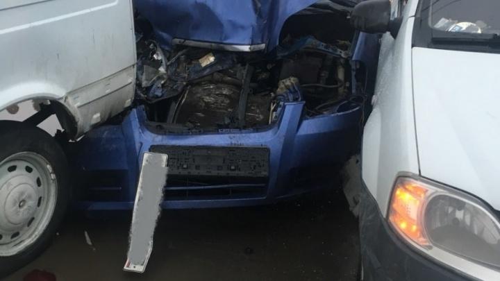 В Тольятти в ДТП с 6 машинами пострадал 13-летний мальчик