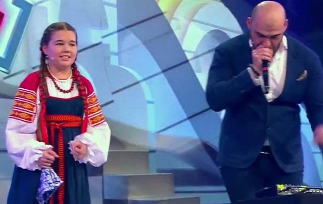 Юная вокалистка из Волгограда устроила для Максима Галкина народную битбокс импровизацию